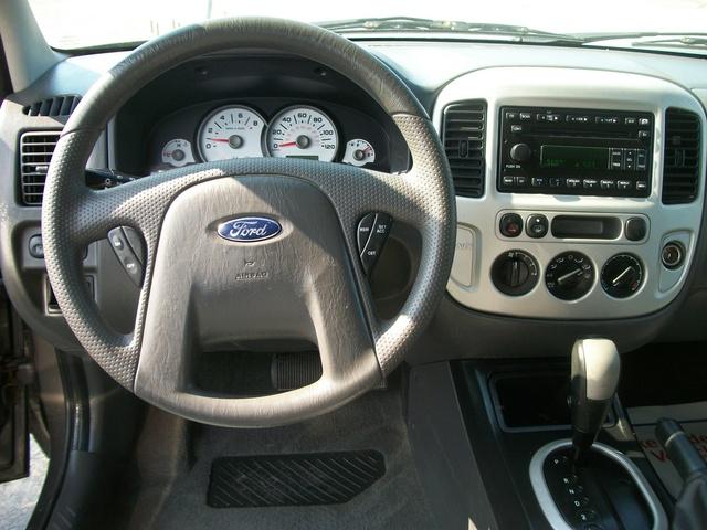 2006 Ford Explorer Xlt >> 2006 Ford Escape - Interior Pictures - CarGurus