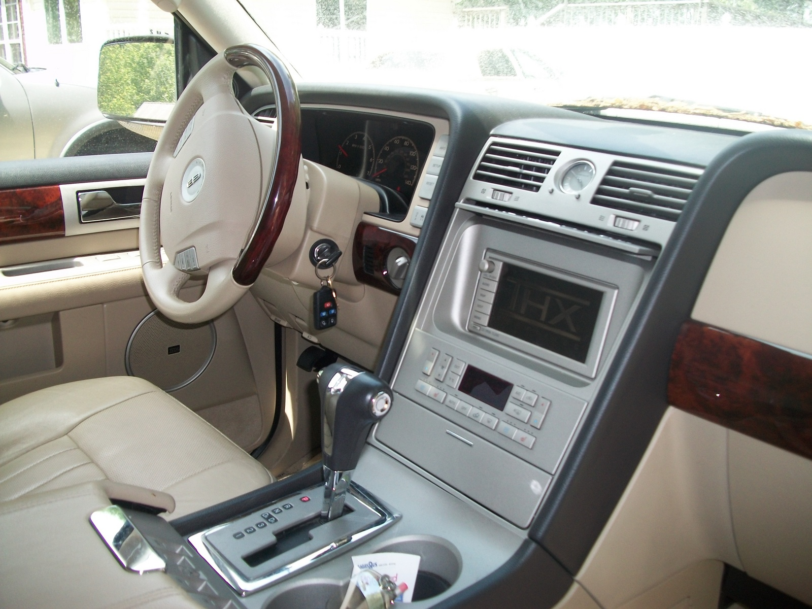 lincoln 2013 pay moreget parts use a 1999 navigator interior. Black Bedroom Furniture Sets. Home Design Ideas