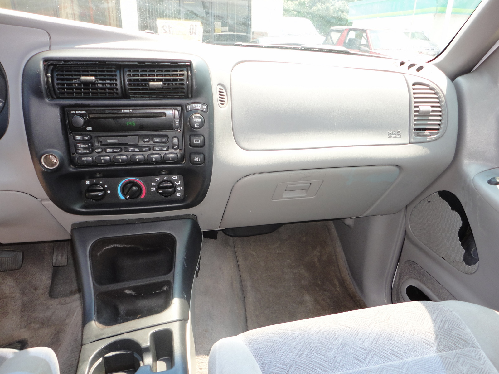 Photos of ford explorer photo galleries on flipacars 2000 ford explorer interior parts