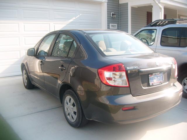 Picture of 2010 Suzuki SX4 LE Popular, exterior