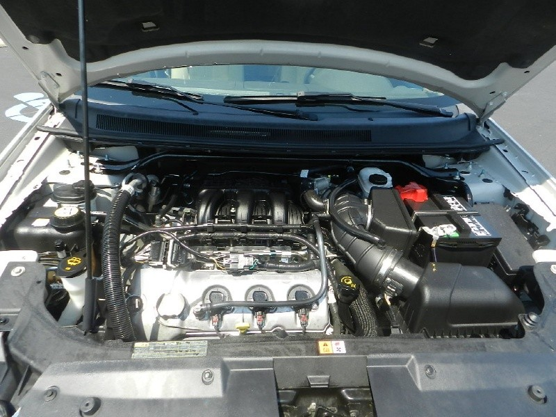 Picture of 2009 Ford Taurus X SEL AWD, engine