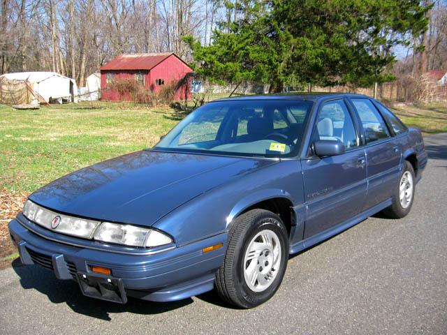 1995 Pontiac Grand Prix 4 Dr SE Sedan picture