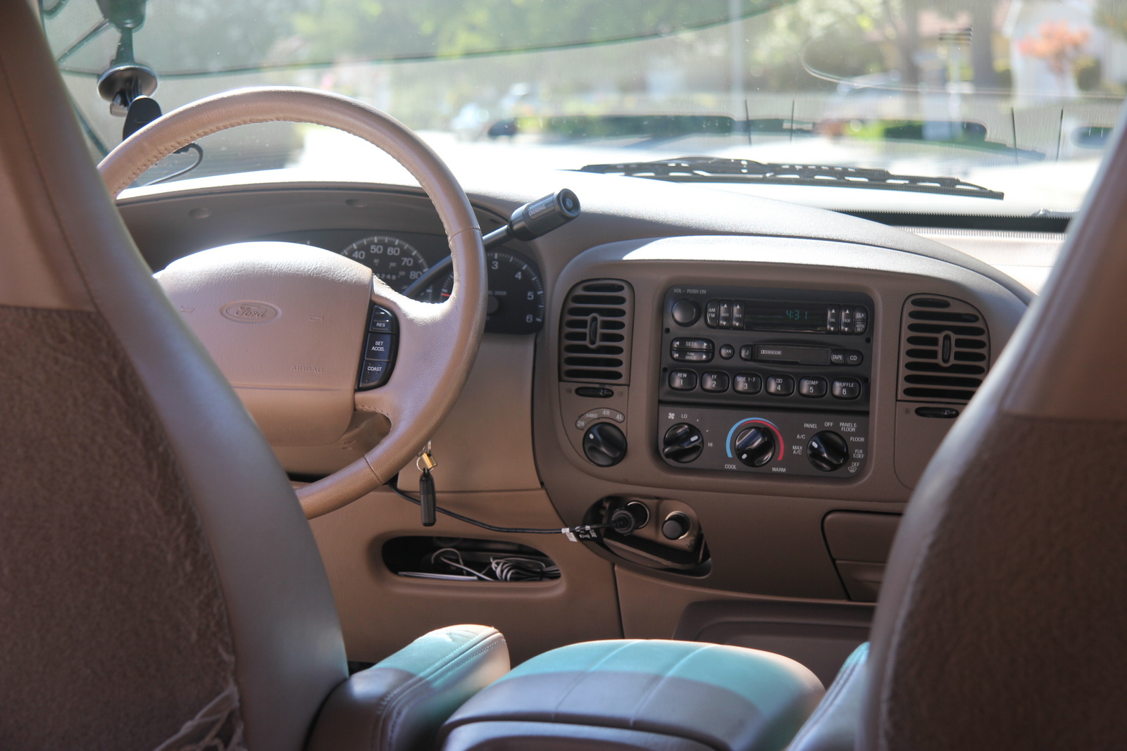 2002 Ford Explorer Eddie Bauer >> 1998 Ford Expedition - Interior Pictures - CarGurus