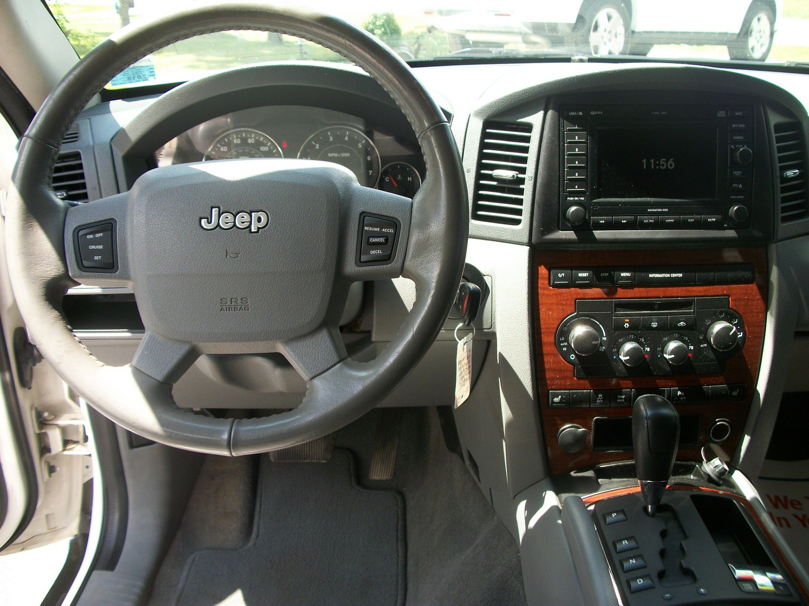 Picture Of 2005 Jeep Grand Cherokee Limited 4wd Interior
