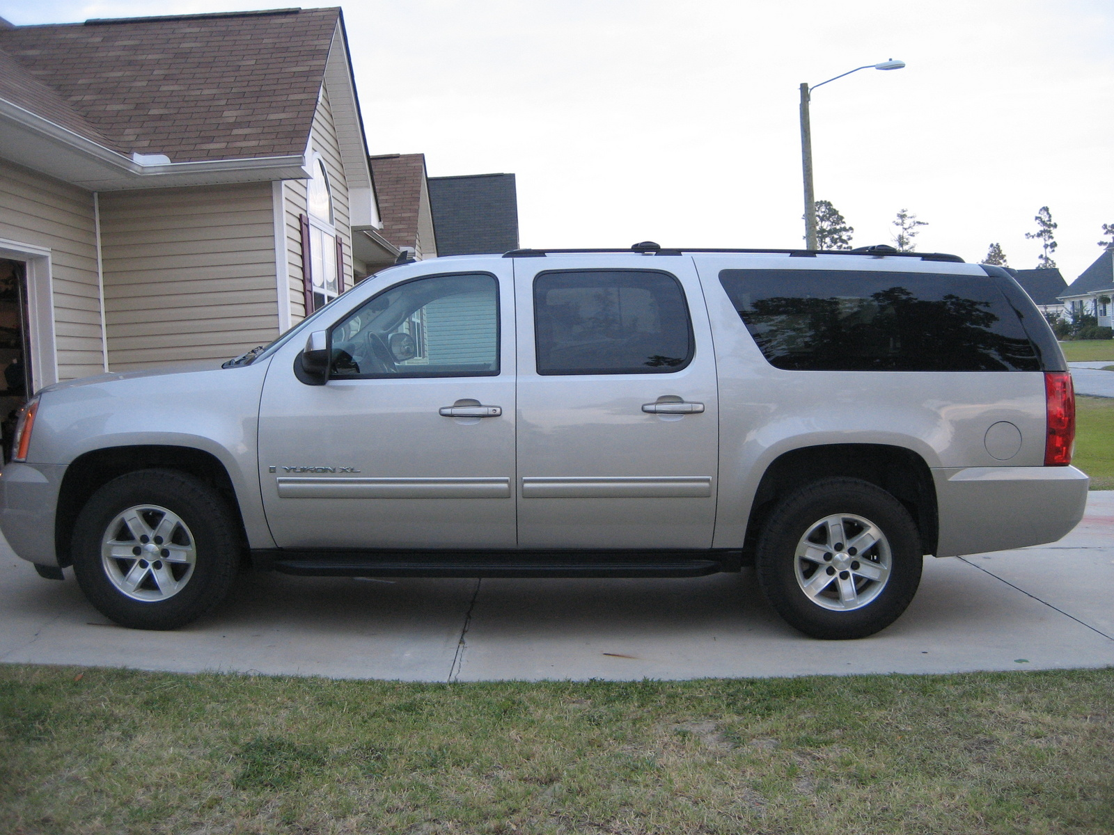 2009 Gmc truck towing capacity