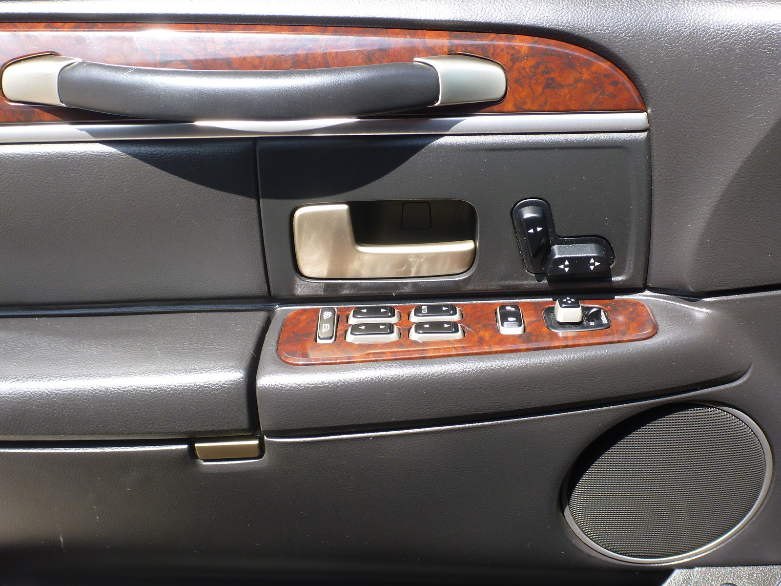 2006 Lincoln Town Car - Interior Pictures