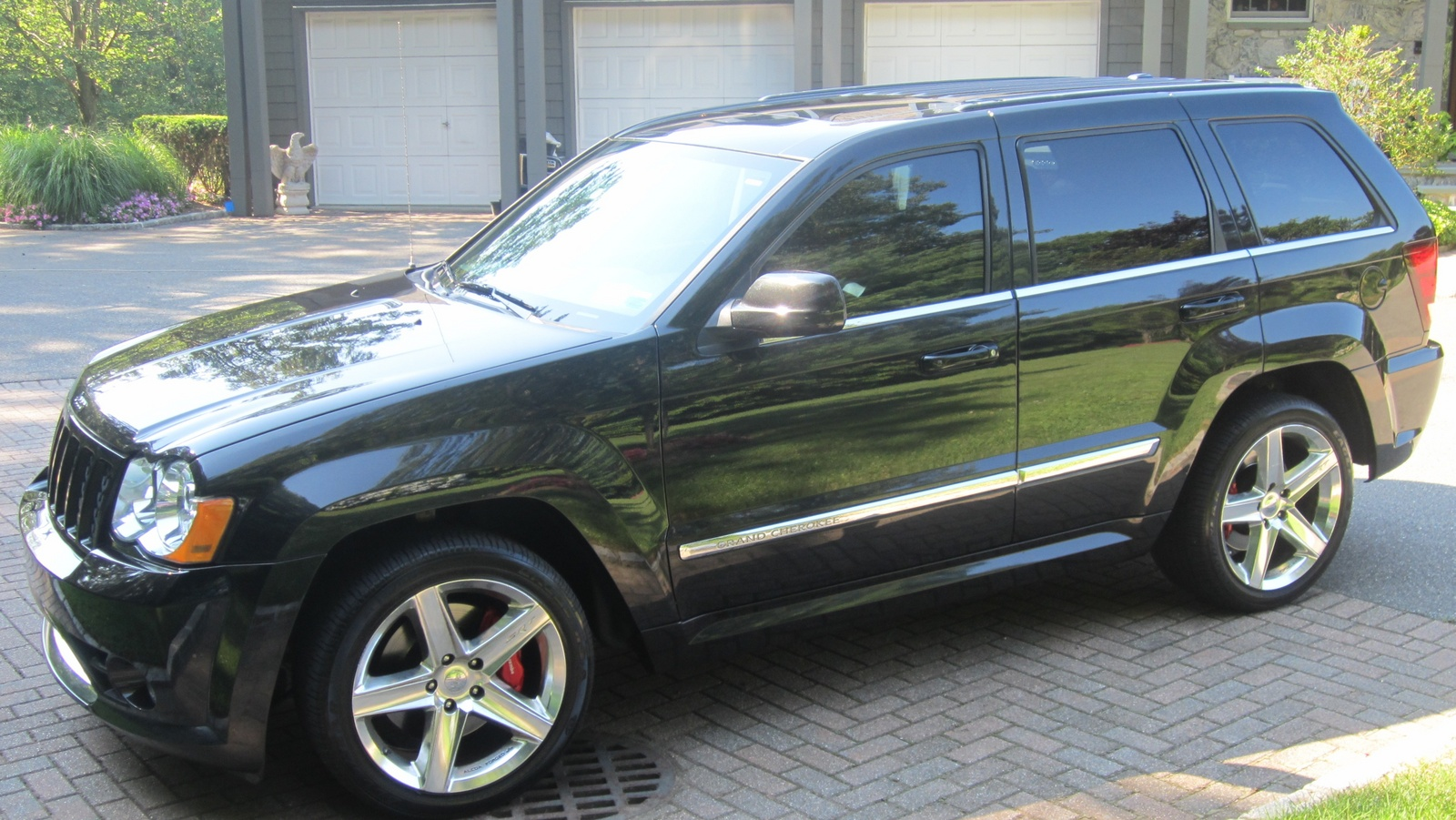 build and price 2015 jeep srt8 release date price and specs. Black Bedroom Furniture Sets. Home Design Ideas