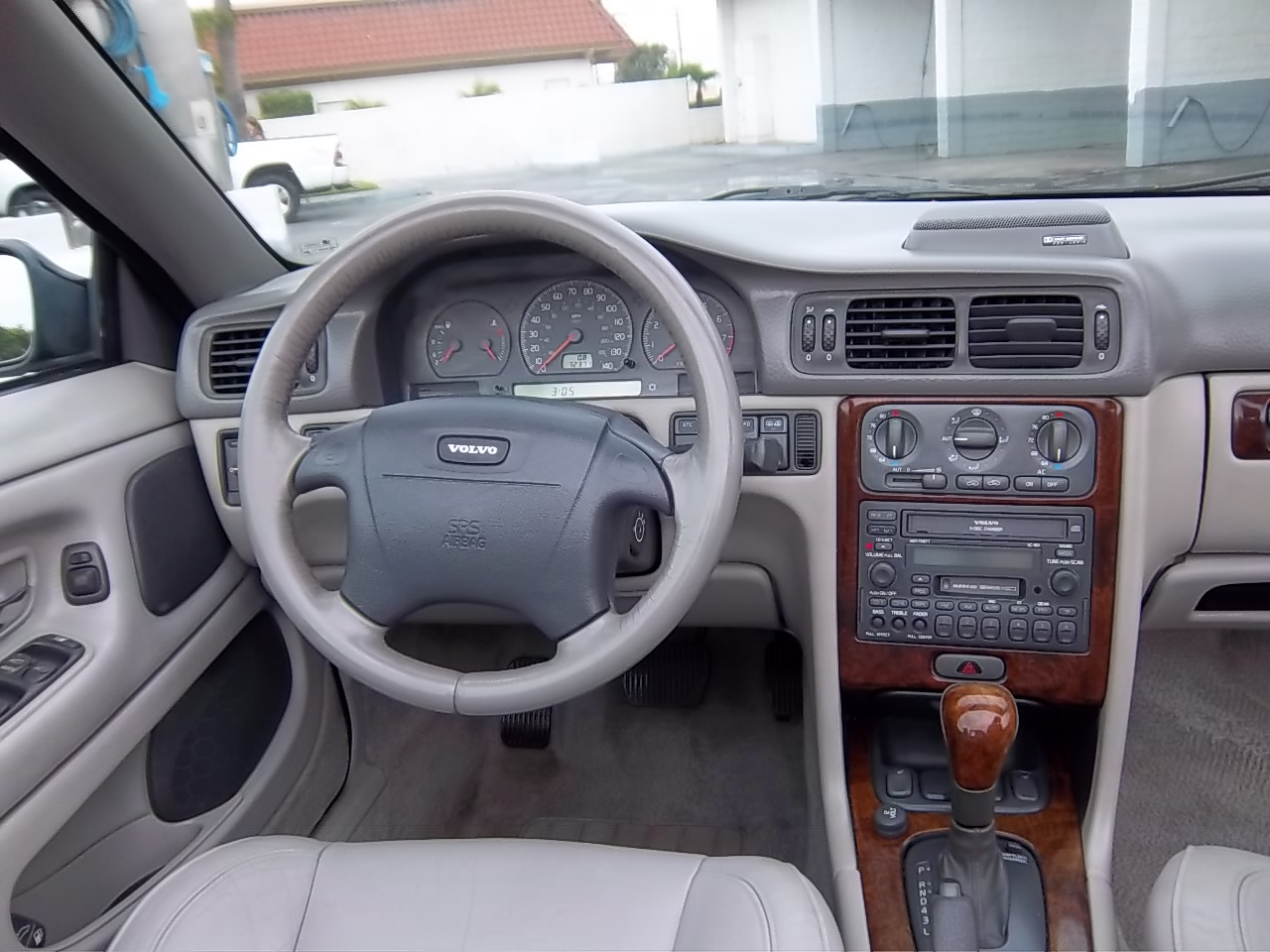 2002 Volvo C70 - Interior Pictures