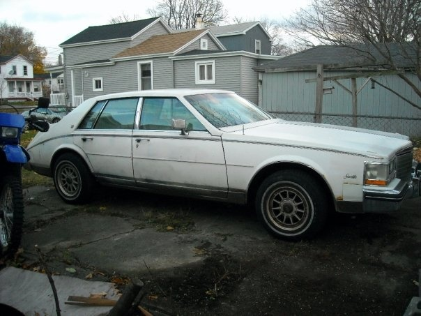 Picture of 1985 Cadillac Seville