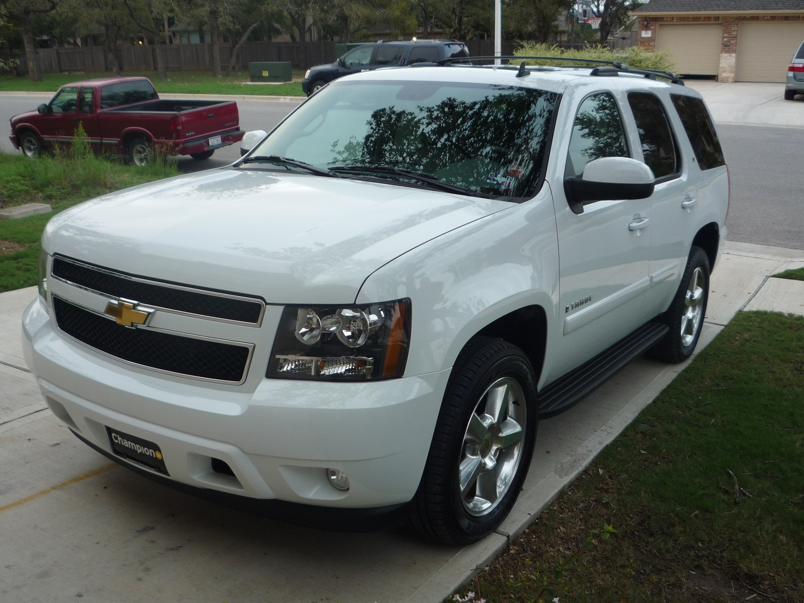 2009 chevrolet tahoe pictures cargurus. Black Bedroom Furniture Sets. Home Design Ideas