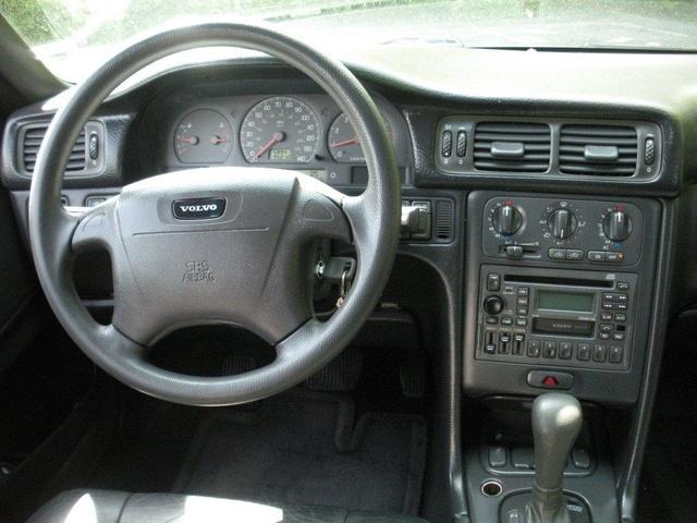 1999 Volvo V70 - Interior Pictures - CarGurus