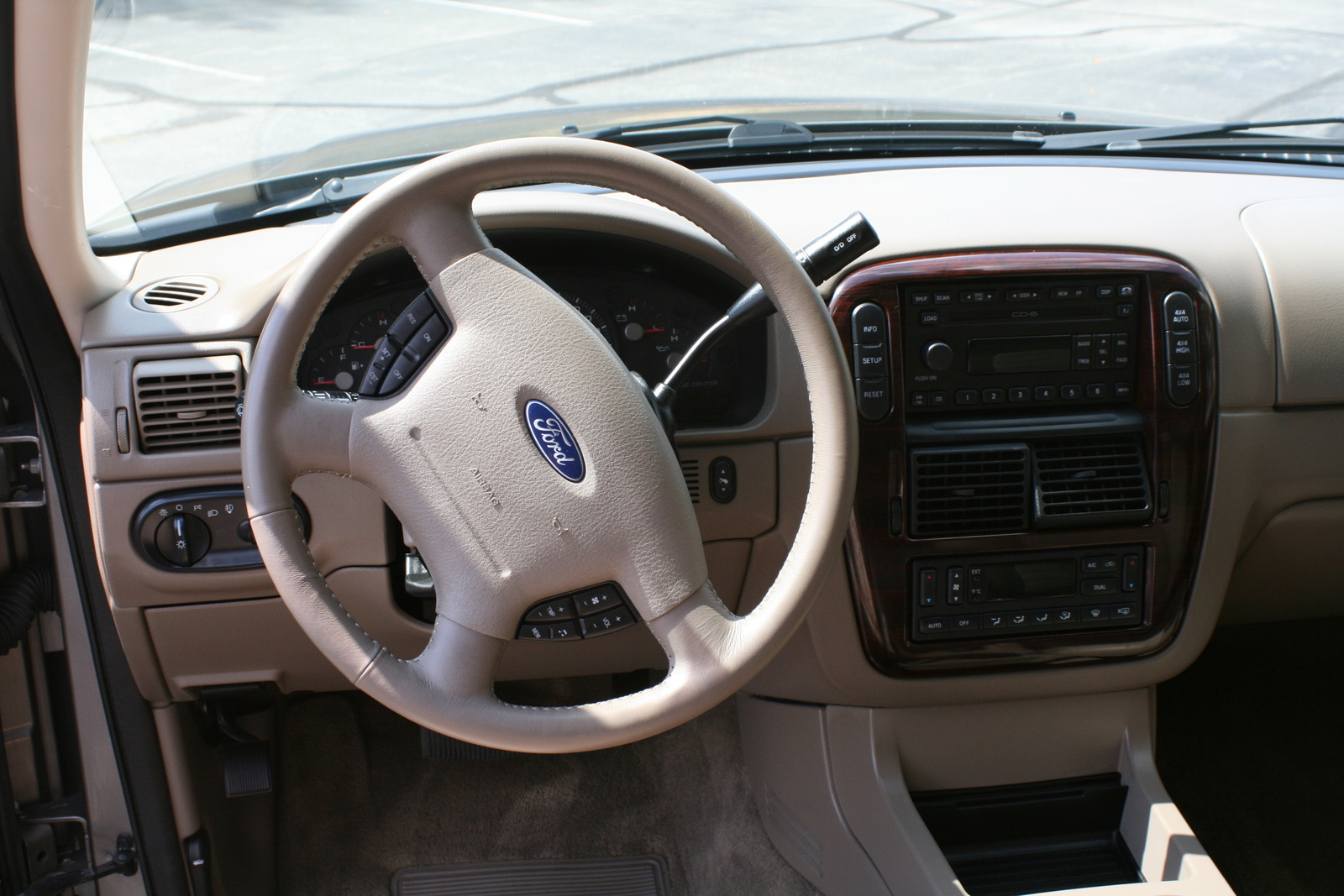 2003 Ford Explorer Interior Image