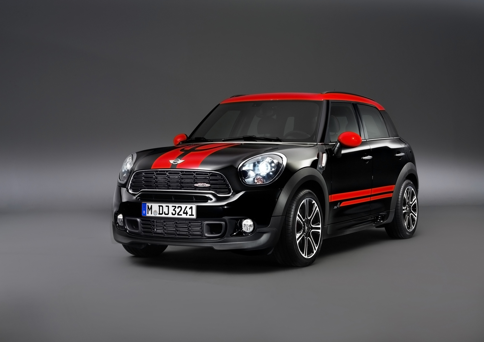 2013 MINI Countryman John Cooper Works, exterior front left quarter view, manufacturer, exterior