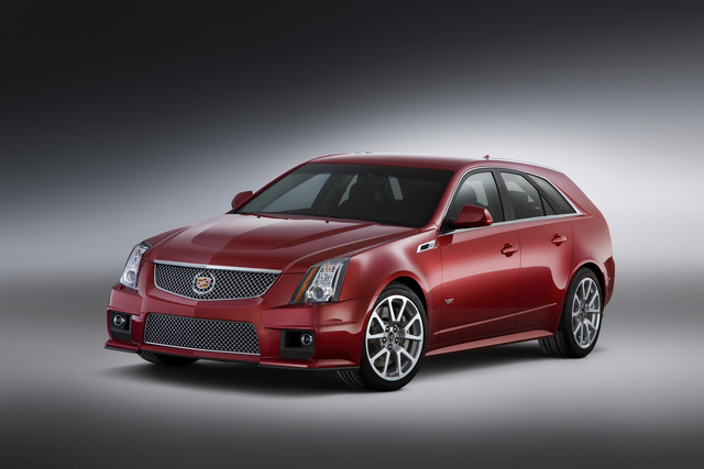 2013 Cadillac CTS-V Wagon, exterior left front quarter view, exterior, manufacturer