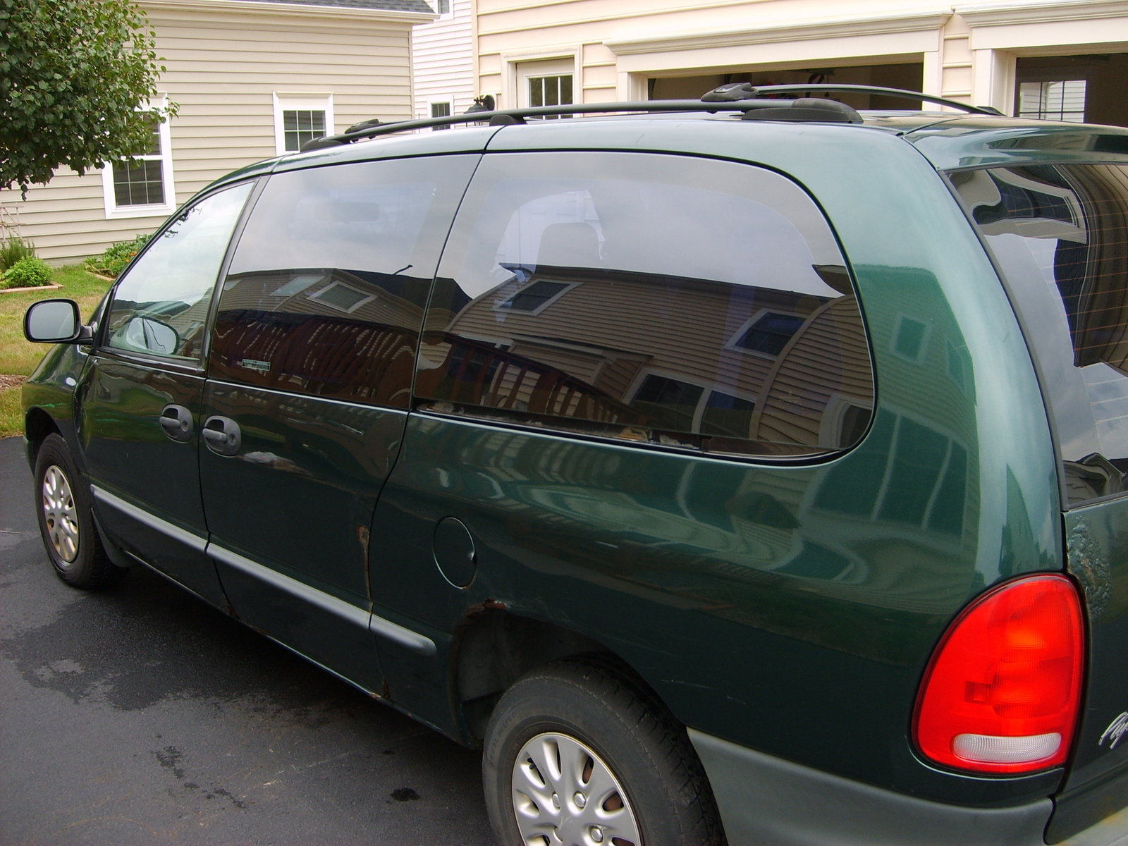 1999 plymouth grand voyager pictures cargurus. Black Bedroom Furniture Sets. Home Design Ideas