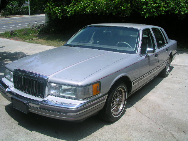 1990 Lincoln Town Car - Pictures