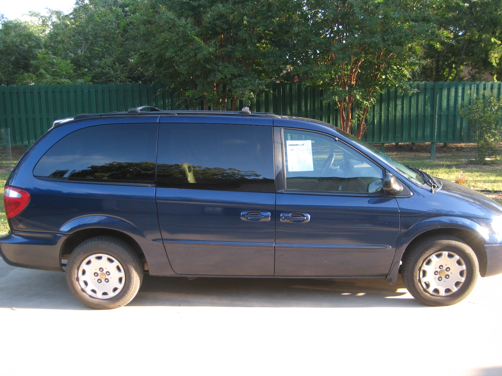 picture of 2002 chrysler town country lx exterior. Cars Review. Best American Auto & Cars Review