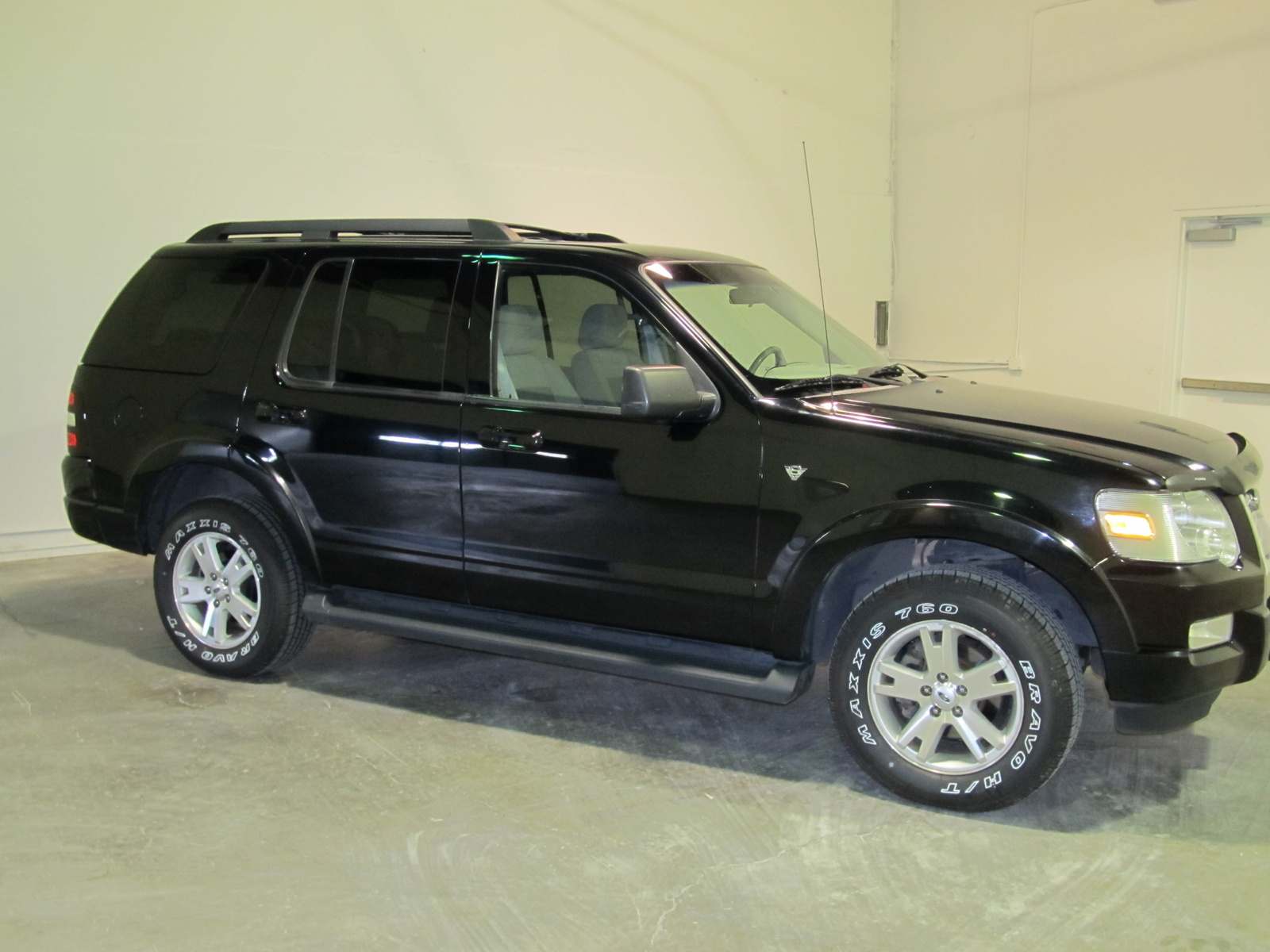 used 2007 ford explorer for sale pricing features autos post. Black Bedroom Furniture Sets. Home Design Ideas