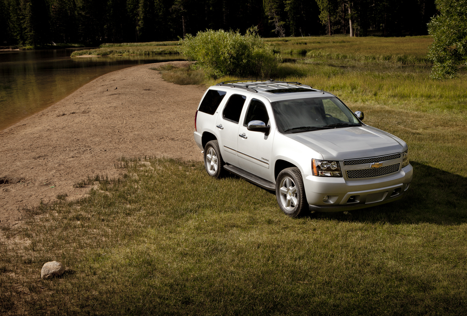 2013 Chevrolet Tahoe, Front-quarter view. Copyright General Motors, manufacturer, exterior