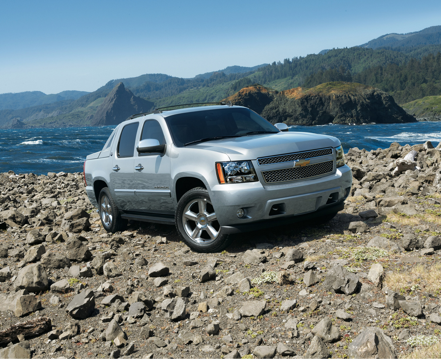 2013 Chevrolet Avalanche, Front-quarter view. Copyright General Motors, manufacturer, exterior