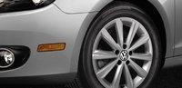 2013 Volkswagen Golf, Close-up of steering wheel., exterior, manufacturer