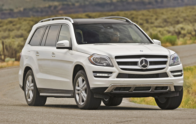 2013 Mercedes-Benz GL-Class GL350 BlueTEC, Front-quarter view, exterior, manufacturer