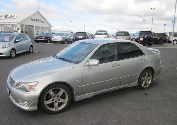 Picture of 2000 Lexus IS 200t