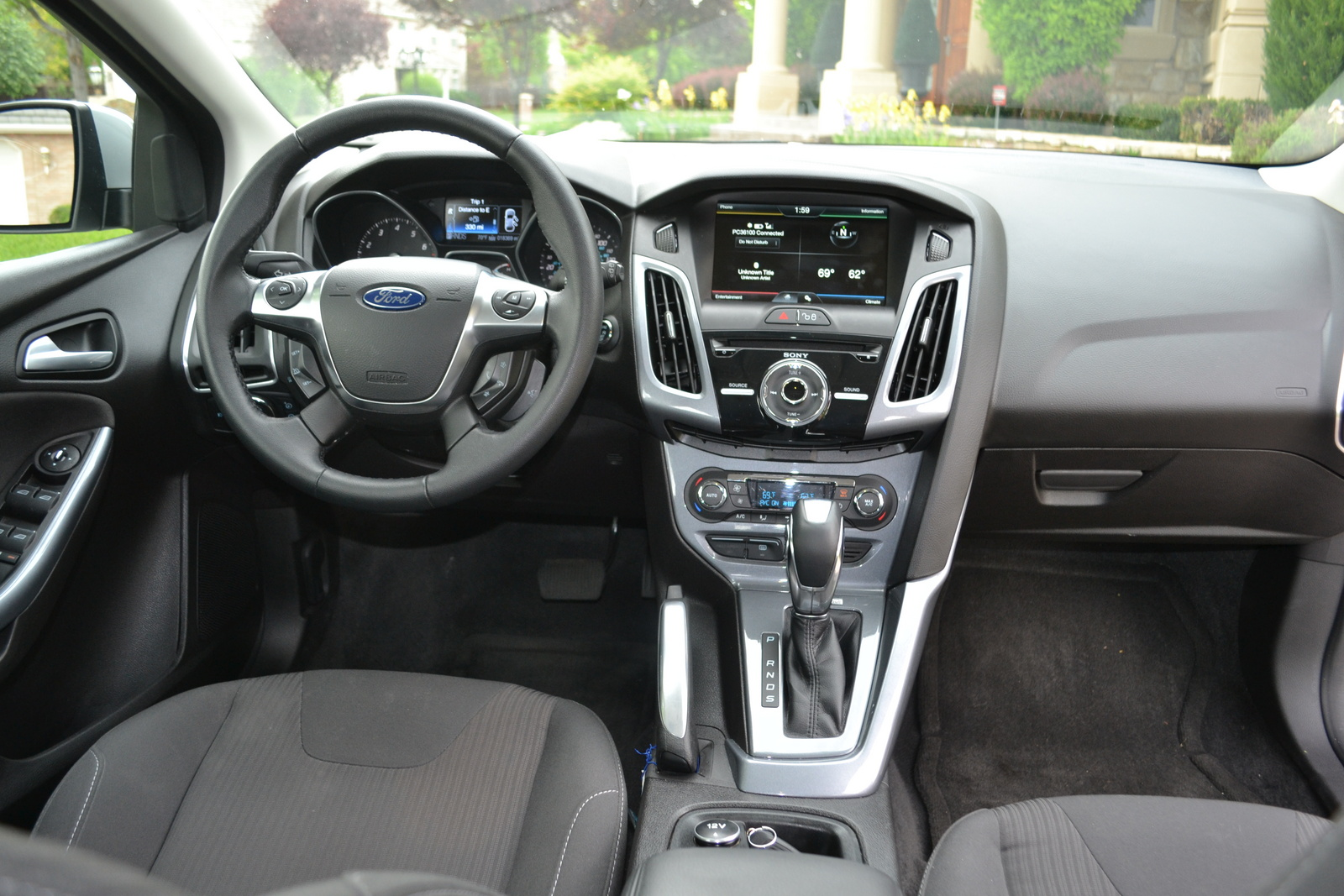 2012 ford focus hatchback review where gas mileage html autos weblog. Black Bedroom Furniture Sets. Home Design Ideas