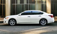 2013 Nissan Altima, Side View., manufacturer, exterior