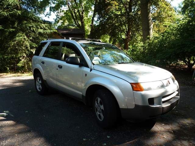 Despite Its Unassuming Appearance, The 2002 Saturn VUE Uses Innovative  Engine Technology To Transport Families On The Go. Other Vehicles On The  Market Have ...