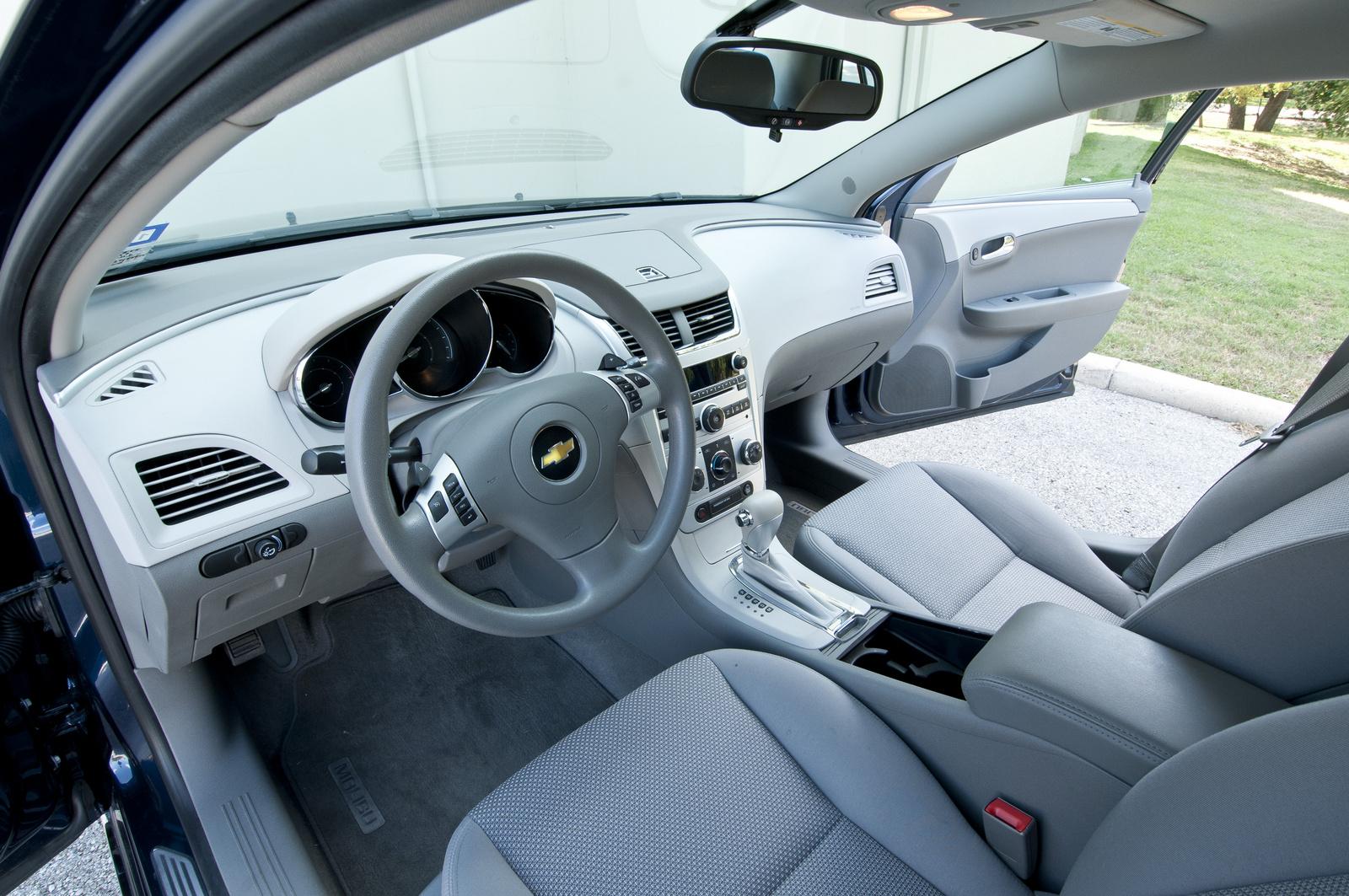 2010 chevrolet malibu - interior pictures