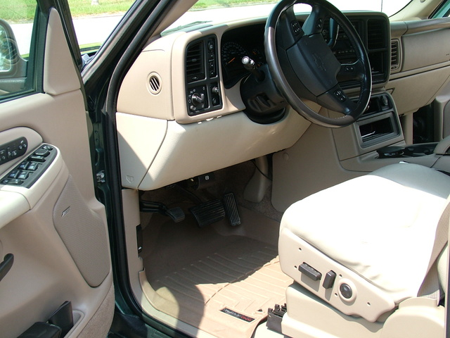 Picture of 2003 Chevrolet Suburban 1500 LT 4WD, interior, gallery_worthy