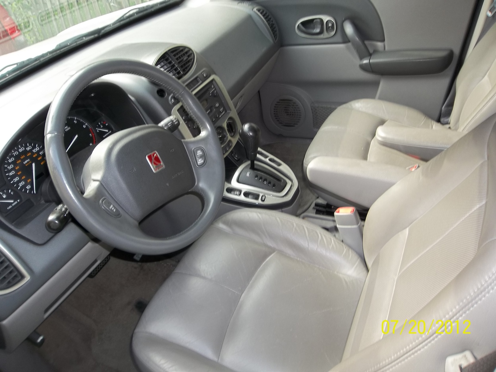 2003 saturn vue interior pictures cargurus. Black Bedroom Furniture Sets. Home Design Ideas