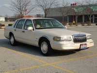 Picture of 1997 Lincoln Town Car Signature, exterior, gallery_worthy