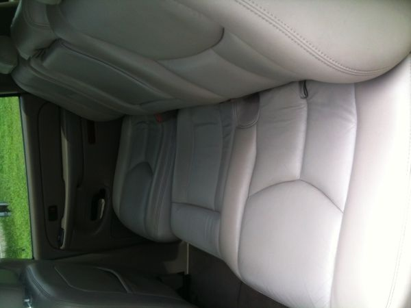 chevrolet suburban questions i have a 2nd row bench seat. Black Bedroom Furniture Sets. Home Design Ideas