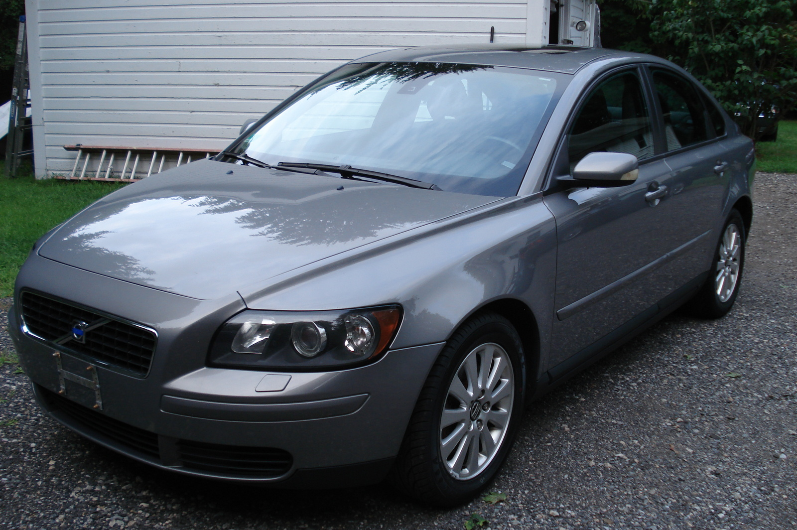2005 volvo s60 reviews and rating motor trend autos post. Black Bedroom Furniture Sets. Home Design Ideas