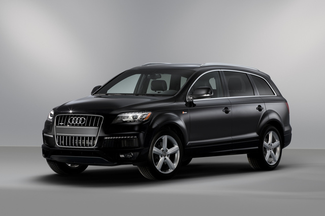 2013 Audi Q7, Front-quarter view, exterior, manufacturer, gallery_worthy