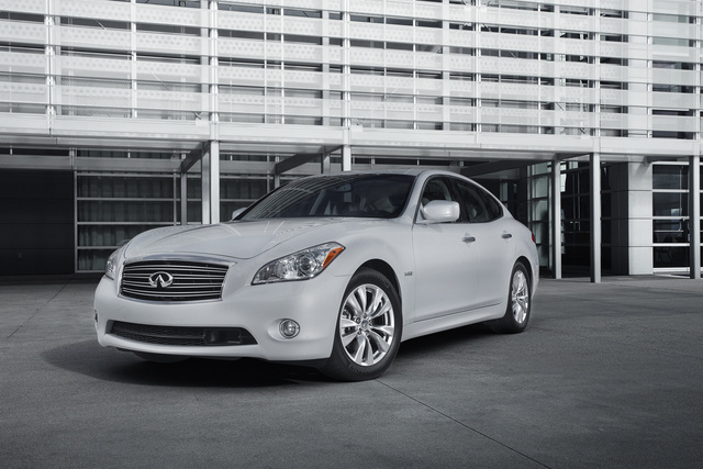 2013 INFINITI M Hybrid, Front-quarter view, exterior, manufacturer, gallery_worthy