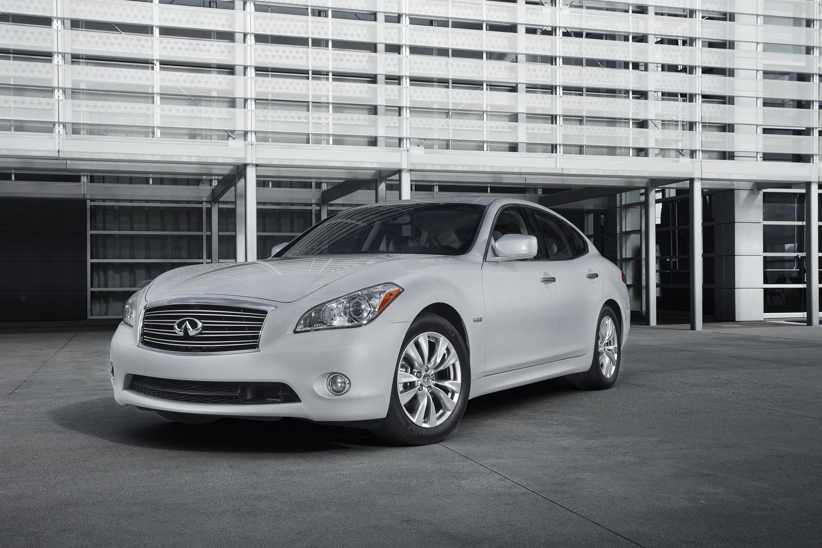 2013 Infiniti M Hybrid, Front-quarter view, exterior, manufacturer