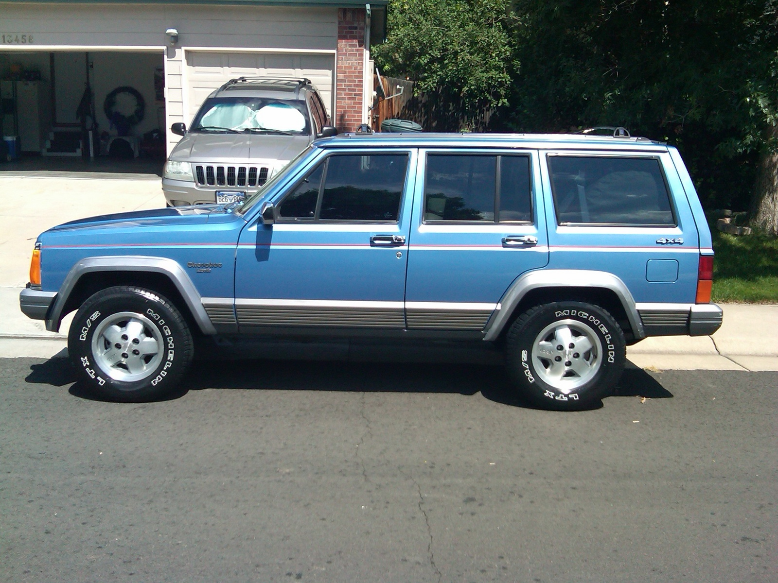 Picture of 1992 Jeep Cherokee 4 Dr Laredo 4WD, exterior