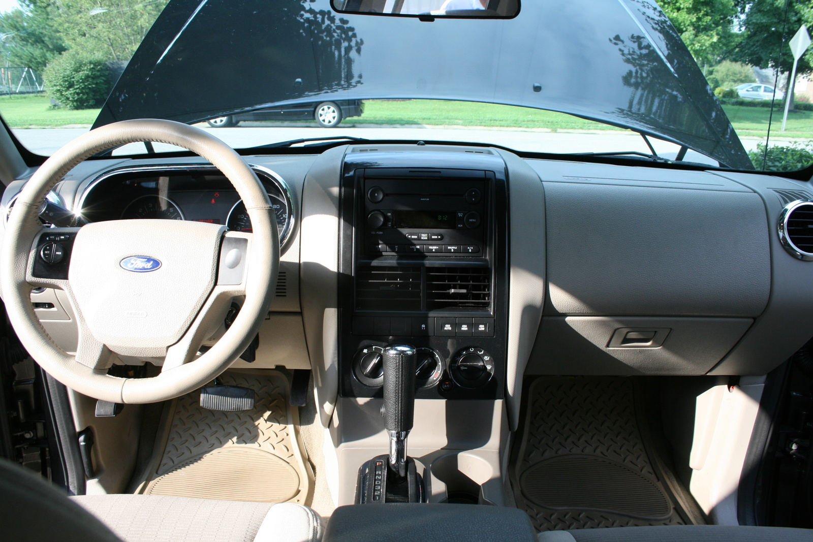 picture of 2006 ford explorer xls v6 4wd interior