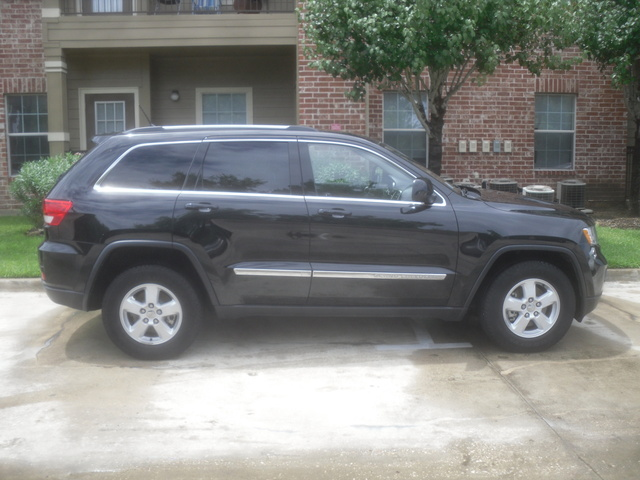 2011 jeep grand cherokee laredo nds1221 owns this jeep grand cherokee. Black Bedroom Furniture Sets. Home Design Ideas