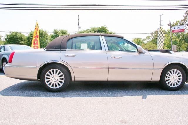 Lincoln Town Car Cartier Premium Pic X