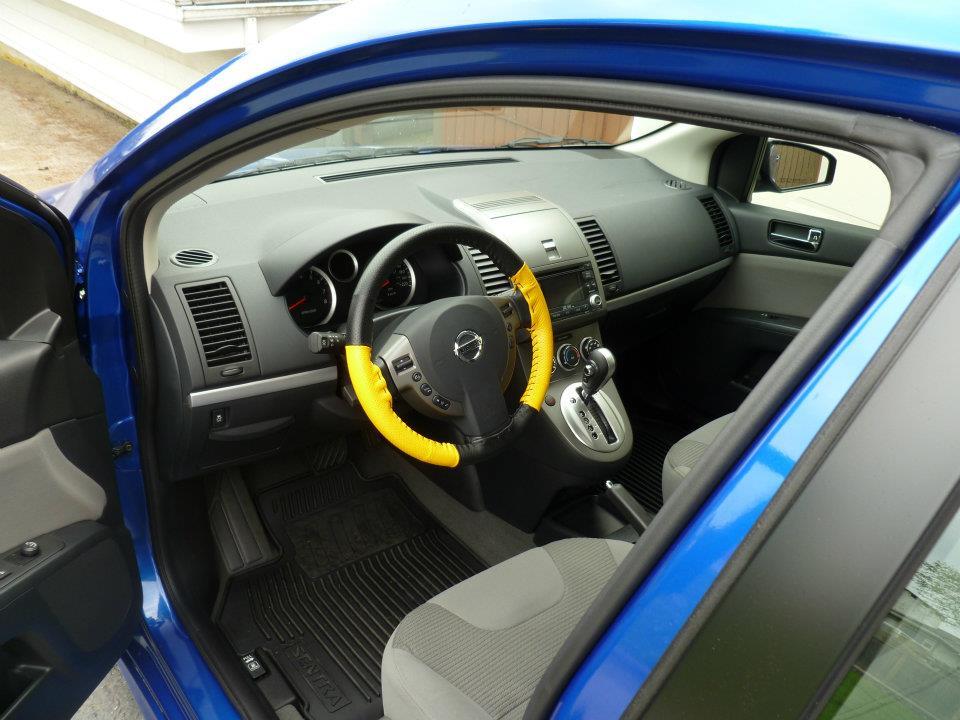 2012 Nissan Sentra 2.0 SR - Pictures - 2012 Nissan Sentra 2.0 SR ...