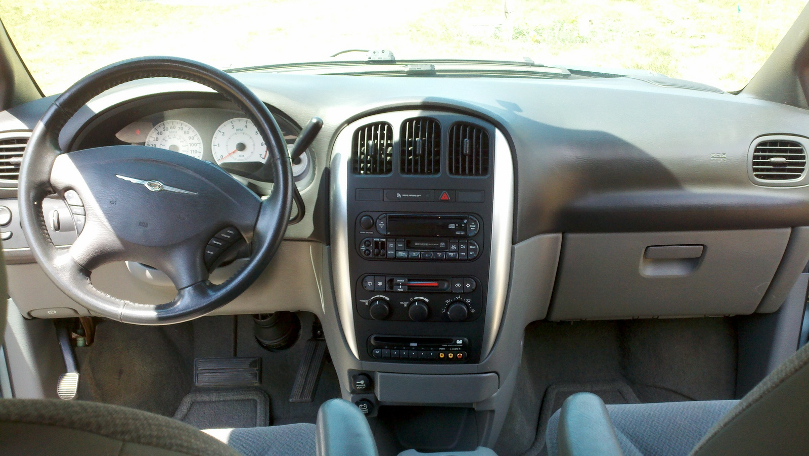 2005 dodge grand caravan interior fuse box 2005 jeep laredo interior fuse box elsavadorla. Black Bedroom Furniture Sets. Home Design Ideas