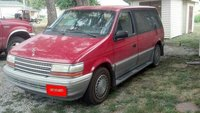 1993 Plymouth Voyager Overview