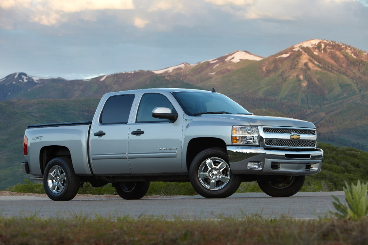 2013 Chevrolet Silverado Hybrid, exterior right front quarter view, manufacturer, exterior