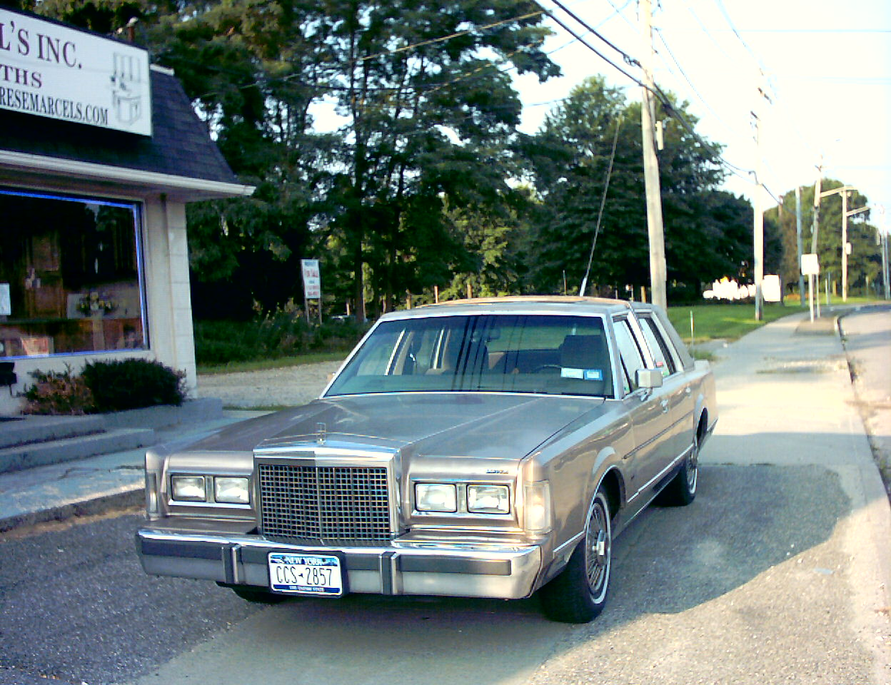 1986 Lincoln Town Car - Pictures