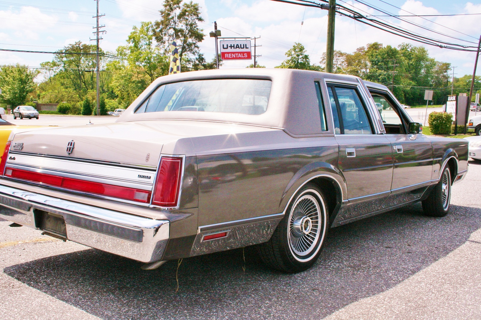 1986 lincoln mark vii with 1988 Lincoln Town Car Pictures C19637 Pi36051040 on Getting The Most Out Of A Shift Kit likewise 2006 Lincoln Town Car Pictures C2592 pi36562938 also Lincoln Town Car in addition 2007 Lincoln Town Car Pictures C8028 pi36515897 as well Continental.