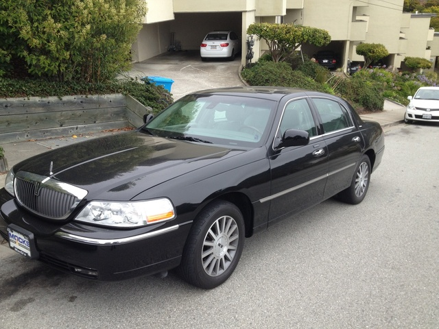2003 lincoln town car pictures cargurus. Black Bedroom Furniture Sets. Home Design Ideas